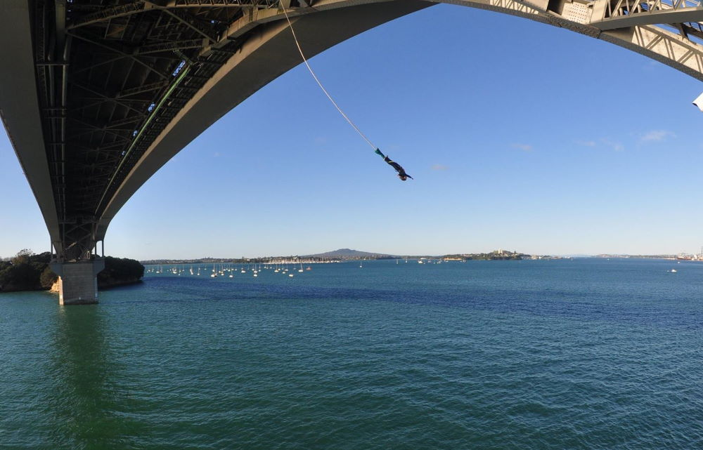 Me bungee jumping in Auckland Bridge